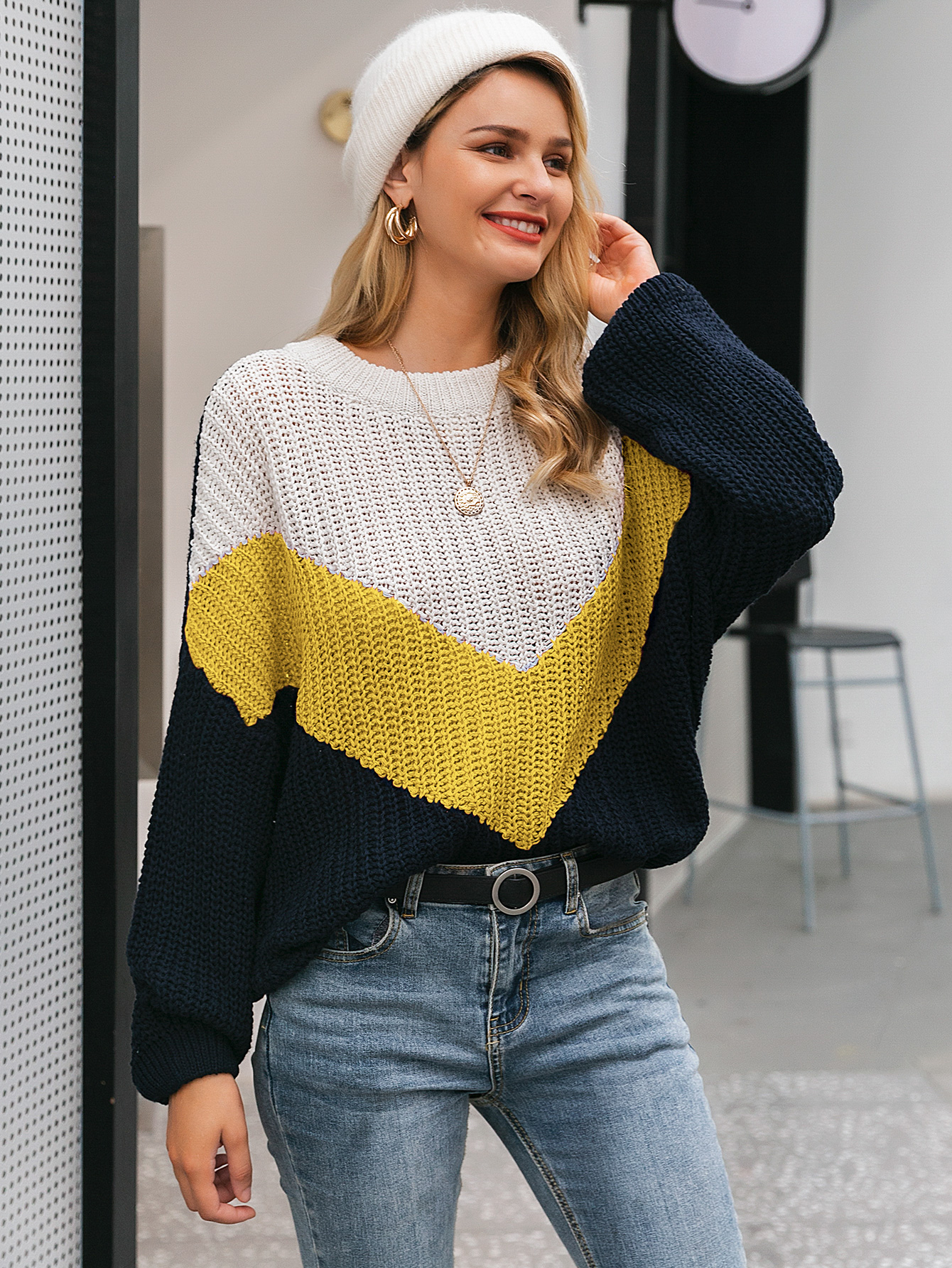 2019 new knitted tri-color stitching sweater fashion women's wholesale NHDE190181
