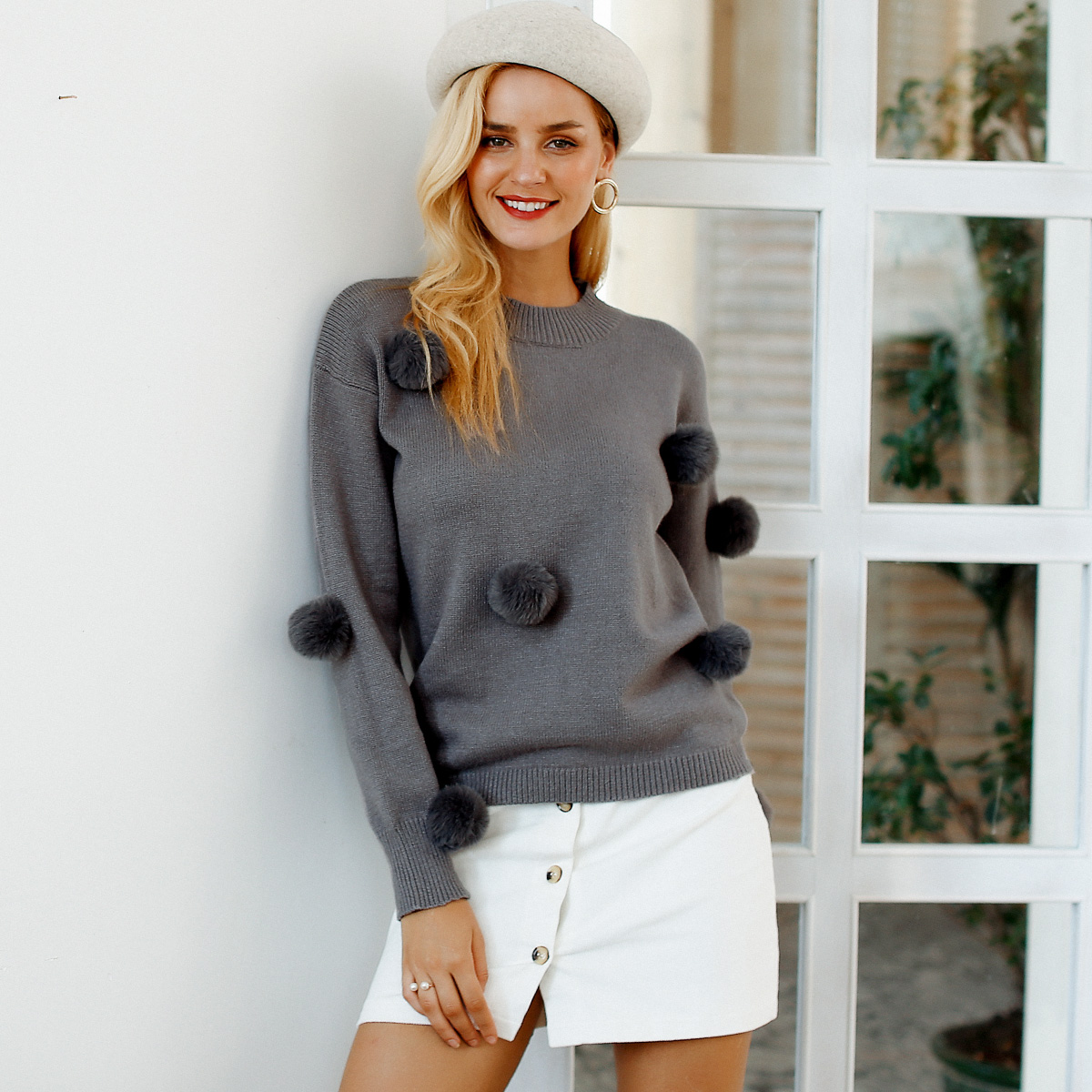 2019 new wide sweater with black fur ball fashion women's wholesale NHDE190229