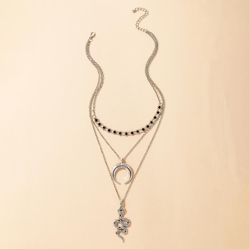 Collier rtro pendentif diamant en forme de serpent en forme de croissant de mode rtro NHGY287761