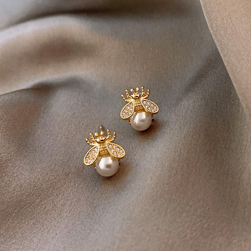 small bee pearl earrings  NHQC316593